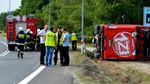 Популярний лоукост-автобус перекинувся у Польщі: постраждало майже 30 людей