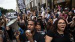 В Нью-Йорке продолжаются масштабные протесты против Трампа: фото, видео