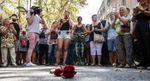 Свечи, слезы, цветы и много печали: как в Барселоне вспоминают жертв теракта
