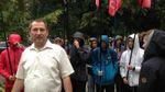 Мокрі розбірки у Глухові: неповнолітні молодики облили водою міських чиновників