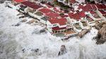 """Ураган """"Ірма"""" добрався до берегів Гавани: висота хвиль сягає дев'яти метрів"""