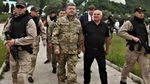 Представители УГО напали на журналистов, чтобы те не снимали Порошенко: обнародовали видео