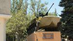 В оккупированном Луганске снова взорвали памятник боевикам: появились первые кадры