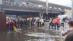 Потужна злива у Києві затопила кілька вулиць: опубліковано фото та відео