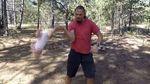 Британських журналістів шокувало відео з українцем, який жонглює маленькою донечкою