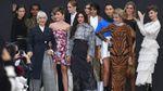 На показі L'Oreal Paris на подіум вийшли 70-річні моделі: яскраві фото