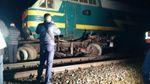 В России пассажирский поезд протаранил грузовик
