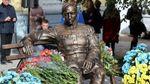 Под звуки пулеметов и винтовок открыли памятник Петлюре в Виннице