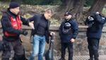 """Мітингувальники яйцем """"атакували"""" нардепа Гончаренка: відео"""