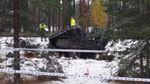 Пассажирский поезд протаранил автомобиль с военными в Финляндии: есть жертвы