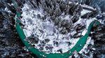 Через хуртовину у снігах застряг автобус на Закарпатті: відео