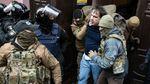 Активісти витягли Саакашвілі з машини СБУ: відео