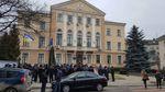 В Тернополе водители маршруток вышли на массовые протесты