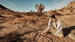 Чарівна Сара Сампайо стала обличчям Harper's BAZAAR: неймовірні фото серед пустелі