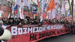 Плакати про Крим і Путіна активістам не дозволили пронести на марш пам'яті Нємцова у Москві