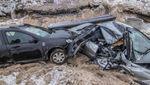 Полиция устанавливает, кто виноват в том, что в Киеве в строительный котлован влетели два авто