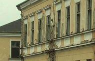 Жінки відновлюють занедбану військову базу у Чернівцях