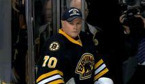 """Хокей. 50-річний тренер """"Бостона"""" став запасним голкіпером і мало не відновив кар"""
