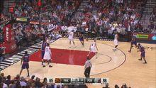 Баскетбол. Олексію Леню зламали носа в матчі NBA