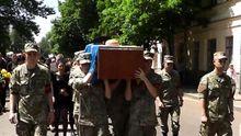 Шукаючи загиблого сина, мати  їздила до терориста Захарченка