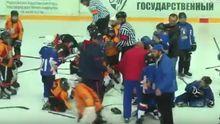 """""""Дорослі"""" розбірки: юні українські та білоруські хокеїсти побились між собою"""