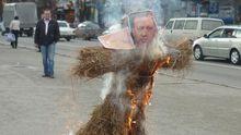 В Симферополе сумасшедшие сожгли Эрдогана