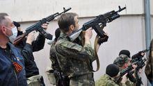 Офіцерів російської місії на Донбасі спіймали на співпраці з терористами