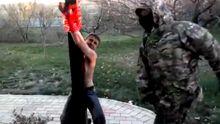 Терористи, катуючи, до смерті забили чоловіка (18+)