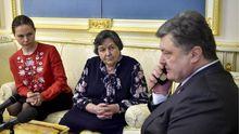 Порошенко відреагував на затримання в Росії сестри Савченко