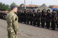 У Порошенка пояснили підтекст заяви президента про воєнний стан