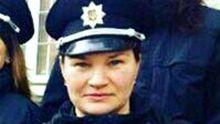 Патрульна, яку поранив злочинець у Дніпрі, померла у лікарні