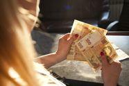 В Кабміні пообіцяли українцям ще більші зарплати