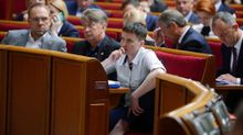 Савченко закидали яйцями: з'явилося відео