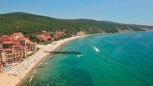 На курорте в Болгарии бывший военный открыл стрельбу: есть раненые туристы