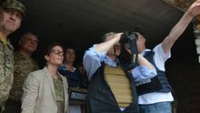 Після візиту на Донбас у Держдепі по-іншому заговорили про надання Україні зброї