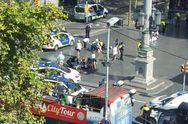 Вантажівка в'їхала в натовп у Барселоні: фото та відео з місця події