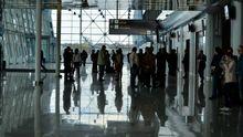 """Жінку, яка вивозила дівчат у сексуальне рабство, """"на гарячому"""" затримали в аеропорту Львова"""