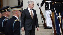 Навіщо голова Пентагону Меттіс летить в Україні: колишні посли США назвали причину
