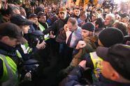Народного депутата Барну избили и оплевали под стенами Рады: появилось фото и видео