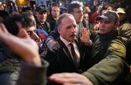 Избитый нардеп Барна прокомментировал инцидент под Радой