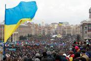 Властям удалось отвлечь украинцев от политики, – политолог