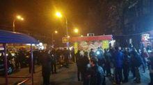 """В Киеве активисты """"Национального корпуса"""" разгромили лотерейные киоски"""
