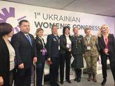 Более 6 тысяч служат в АТО, – Полторак рассказал о количестве женщин в армии и на фронте