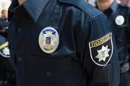 В Киеве полицейский получил ножевое ранение при задержании мошенников