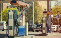 Скандал во Львове: вместо бензина машины на заправке заправили водой