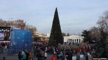Металлодетекторы и казаки: как в Севастополе детей пропускали к городской елке