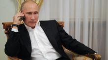 Меркель і Макрон поговорили телефоном з Путіним: з'явилися деталі