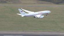 """Російські дипломати покидали Великобританію на """"кокаїновому"""" літаку: фото"""