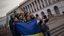 Українці оптимістично налаштовані щодо економіки, попри корупцію – опитування