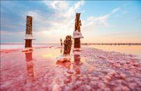 Україна вражає: казкові озера на Одещині з незвичайним кольором
